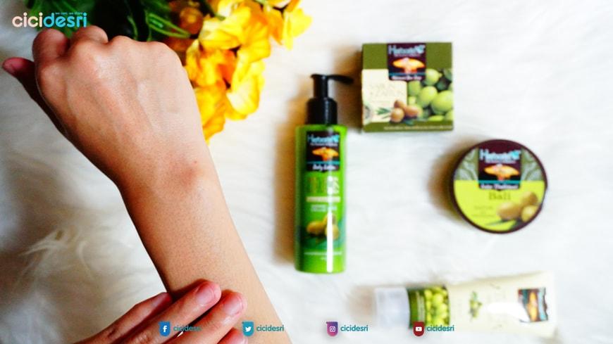 Herborist Body Lotion Zaitun, Herborist, herborist lulur mandi, minyak zaitun, manfaat zaitun untuk kulit, khasiat zaitun untuk kesehatan, harga Herborist Body Lotion Zaitun