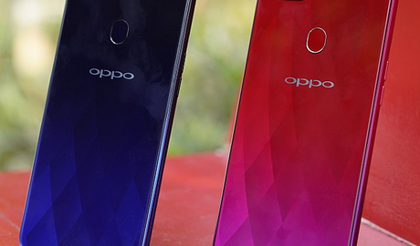 review smartphone oppo f9, harga oppo terbaru, keunggulan oppo dengan yang lain, oppo f9 dicharge 5 menit aja, vooc flash charge oppo