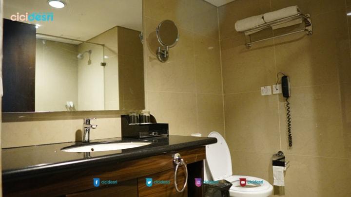 toilet hotel bersih