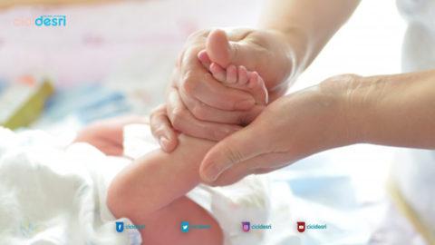 manfaat pijat bayi, manfaat memijat bayi, teknik pijat bayi, cara memijat anak
