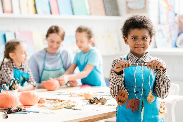 pratical life art and craft, development motor skill