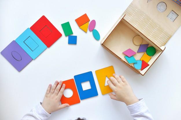 sensorial area montessori, sensorial play, sensorial kegiatan untuk anak, montessori jakarta, montessori indonesia, montessori di rumah
